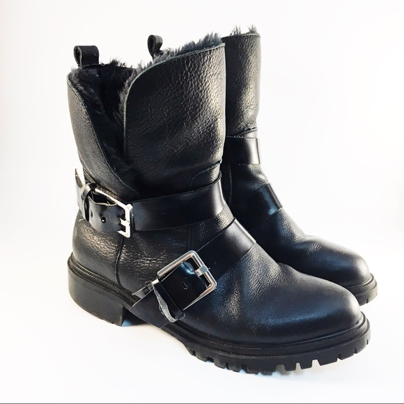 Woman 36 Black Fur Lined Buckle Ankle